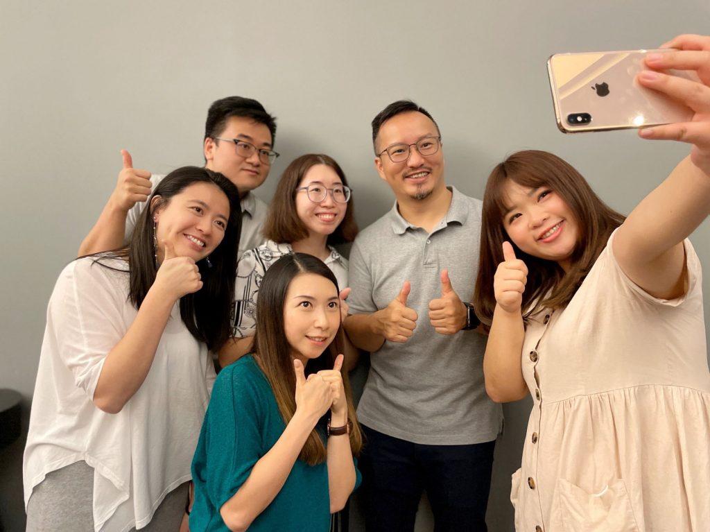 logi_Cloud_Team_Photo_Client_Success